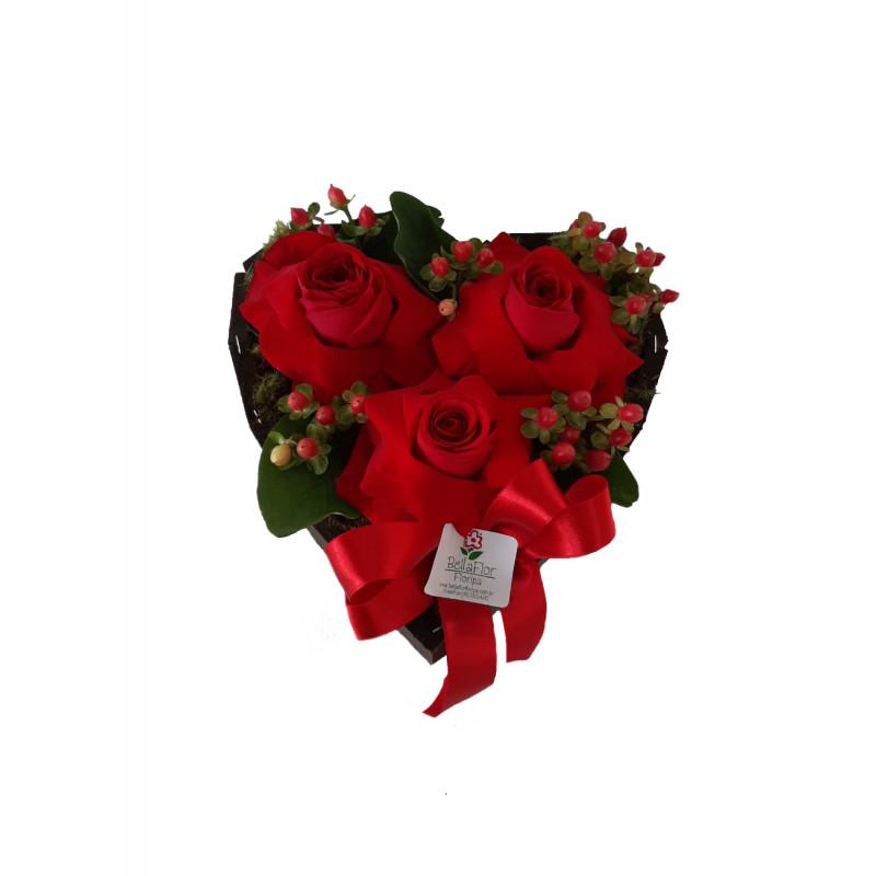 132 Arranjo Coração de Rosas vermelhas Pequeno