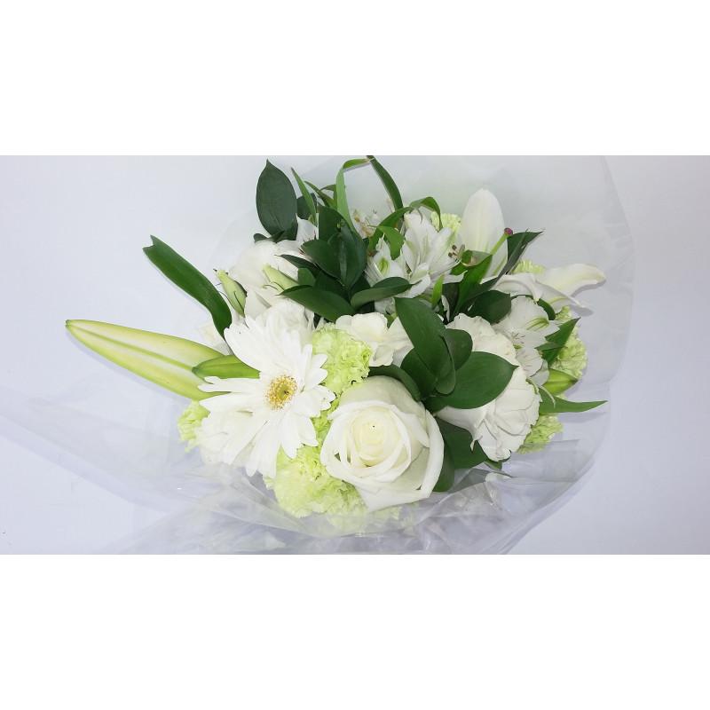 418 Buque de flores brancas