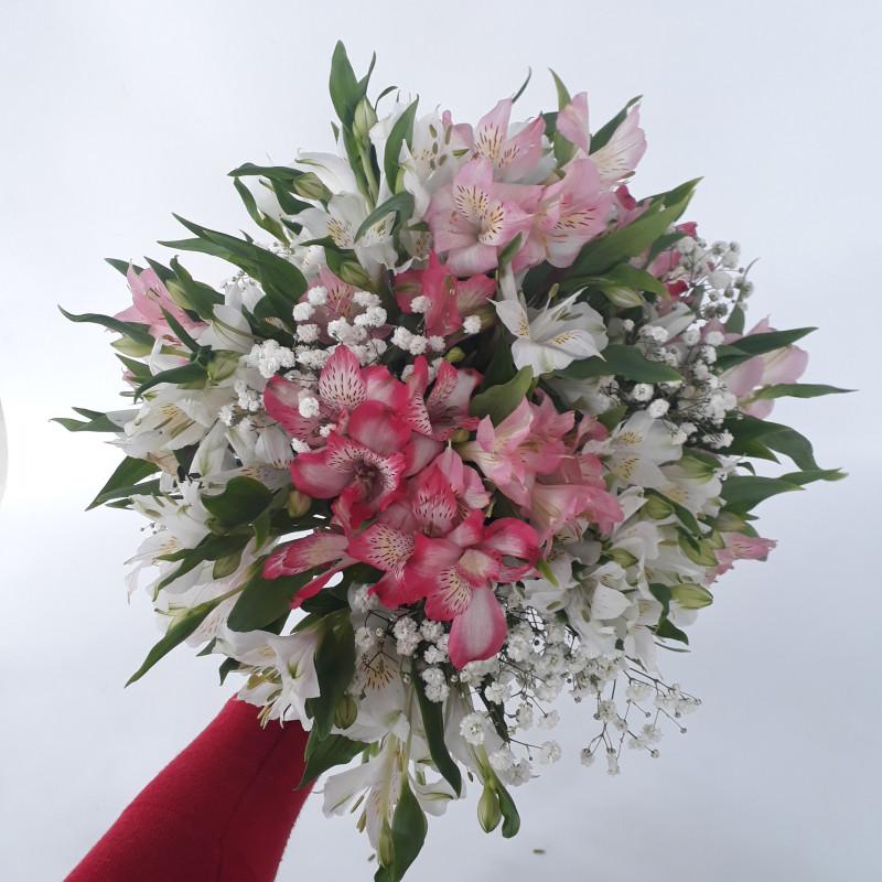 444 Buque Astromelia Branca e Rosa