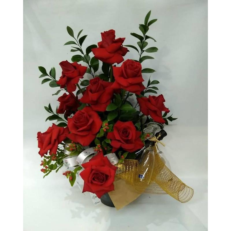 509 Arranjo 10 Rosas + 1 Espumante e 2 taças