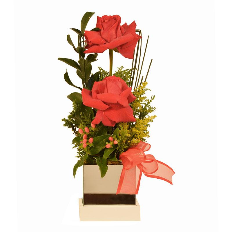 102 Arranjo com rosas colombianas