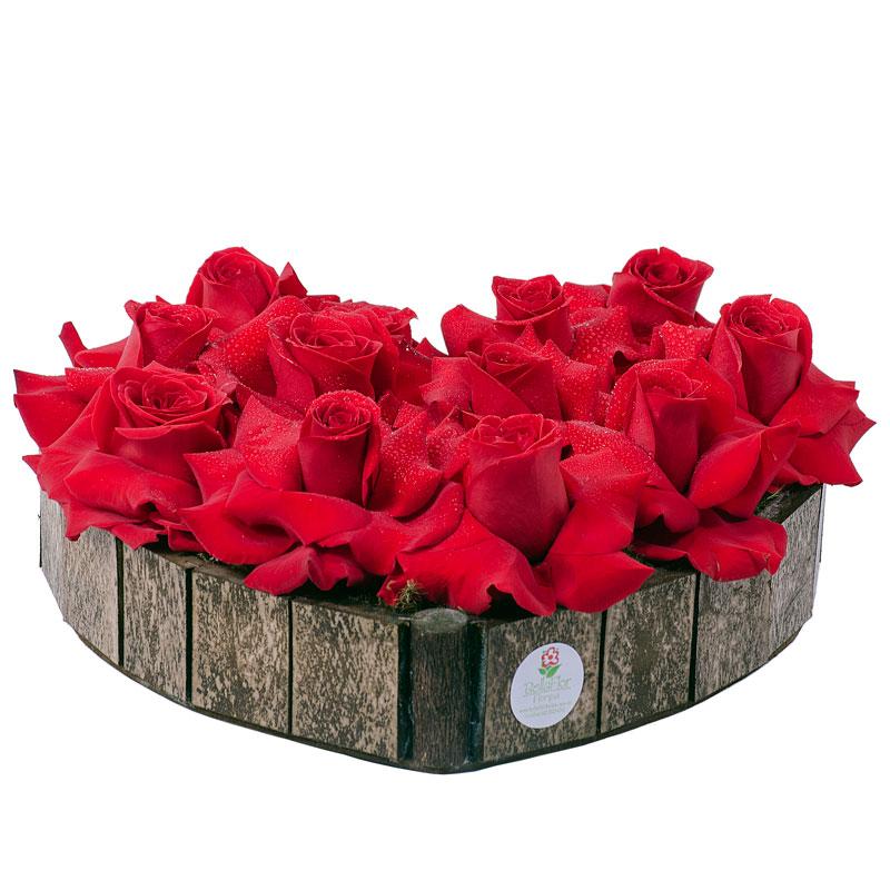 130  Coração de  Rosas  Vermelhas grande