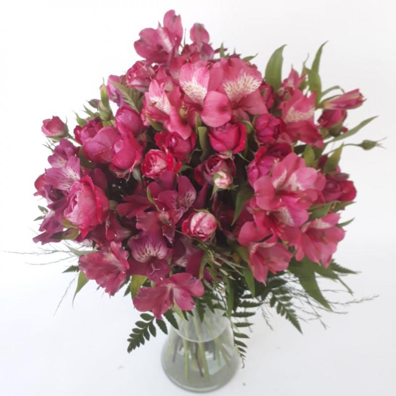 428 Buque de Mini Rosa e Astromelia