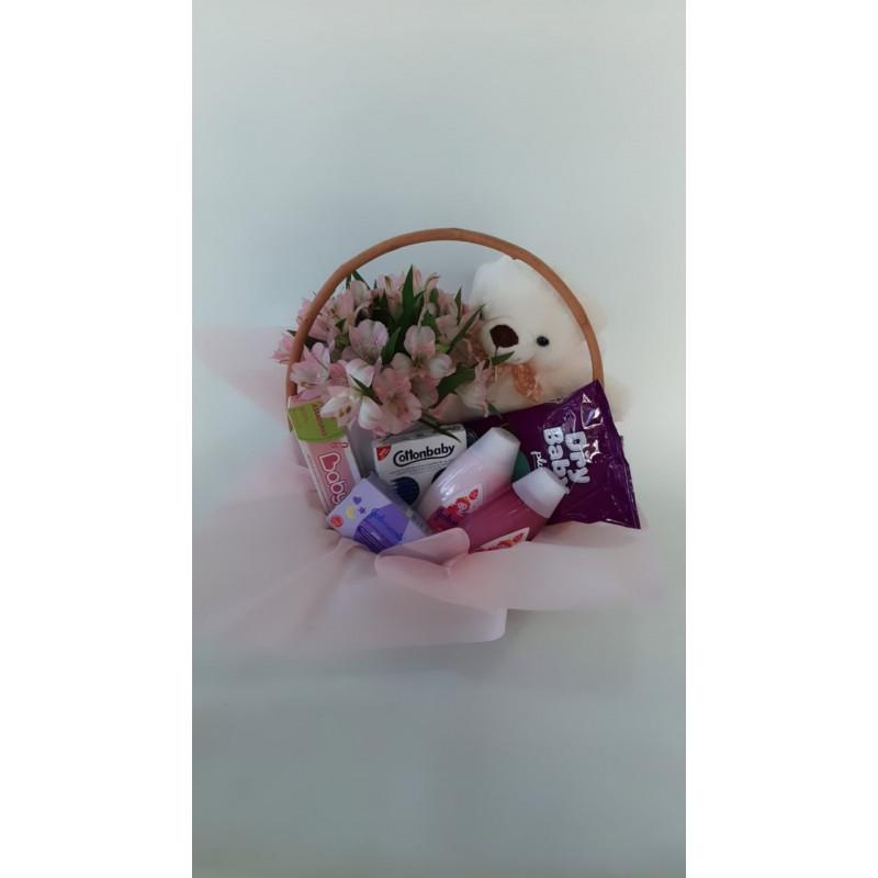 137  Cesta Maternidade com Flores