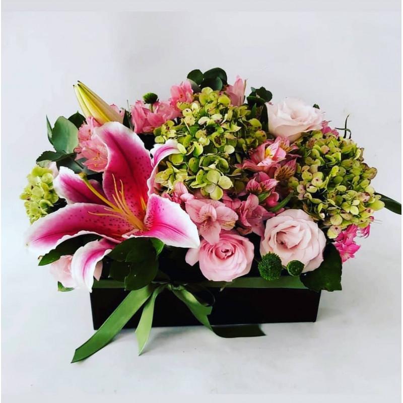 177 Arranjo Flores na caixa Personalizada